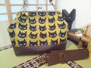 黒猫 おすまし cat ネコ にゃんこ 黄色 黄土色 がま口 3way ショルダー バッグ ハンドメイド 手提げ 斜めかけ 和装 着物 長財布 入ります