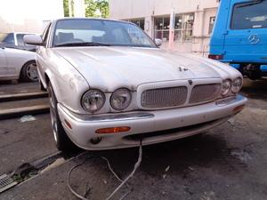 02y Jaguar XJ executive 3.2-V8[ part removing car both.!]