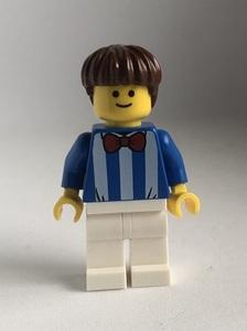 即決 新品 未使用 レゴ LEGO ミニフィグ タウン ニコ顔 ストライプシャツの男の子 ミニフィギュア  シティ