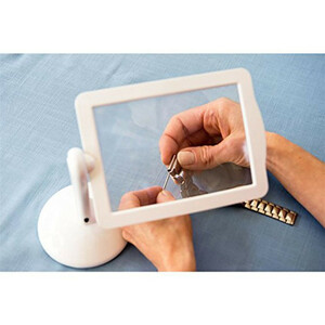 [ super-discount price ] desk magnifier /LED light attaching / stand insect glasses / magnifying glass / battery type /360 times rotation / independent / reading / nails / plastic model making / sewing
