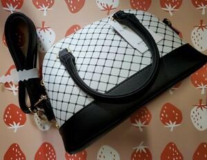 ハンドバッグ ショルダーバッグ 白チェック ブラック×ホワイト 未使用 タグ付き 鞄 肩掛けカバン 手提げかばん ミニバッグ