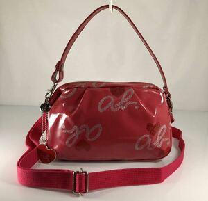 アニエス・ベー 3WAY 可愛い斜め掛けOK ピンク×ラメ入りロゴデザイン ハンド&クラッチ&ショルダーバッグ 。ロゴチャーム付