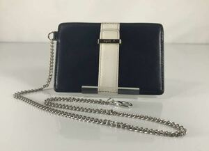agnes b VOYAGE アニエス・ベー 可愛い ネイビーブルー×ホワイト 軽量 チェーン付きパスケースです。