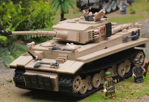 タイガー131 ナチス・ドイツ戦車 第二次世界大戦 タンク ブロック ミニフィグ レゴ 互換 LEGO 互換 テクニック フィギュア 1018pcs 181838