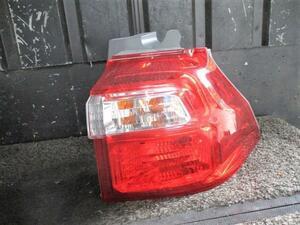 ステップワゴン DBA-RG2 右テールランプ P8026 G 4WD K20A 4DT