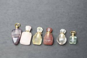 Natural Ishima Water Bottle 6-Piece Set Flow Light, Crystal, Strawberry, Rose Quartz, Lemon Stone [Number 3-XSP]