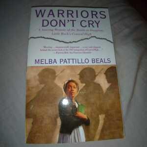 洋書 Warriors dont cry
