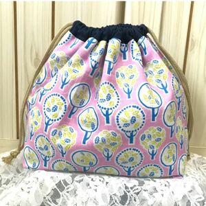 ハンドメイド 巾着 お弁当袋 給食袋 裏地あり マチあり 北欧 木 葉っぱ 巾着バッグ ランチバッグ 化粧ポーチ