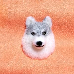 オオカミ ブローチ 羊毛フェルト ハンドメイド