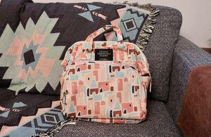 マザーズバッグ 撥水加工 ピンク色大容量 リュック、ショルダーバッグ ポケット多数