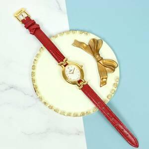 超美品 Fendi フェンディ 640 L クォーツ シルバー文字盤 ステンレス レディース腕時計 革ベルト (00969)