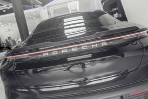 【FUTURE DESIGN 正規品】Porsche ポルシェ Taycan タイカン リア スポイラー 本物Drycarbon ドライカーボン カスタム エアロ