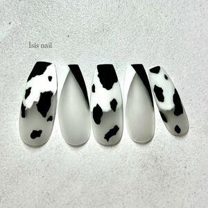 ネイルチップ 牛柄 モノトーンネイル 牛柄 Vフレンチ 成人式ネイル 前撮り マットネイル ジェルネイル 付け爪 夏ネイル