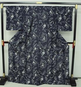 新品 1497 夏着物 大幅値下げ!お仕立て上がり 正絹紗小紋 紺 花