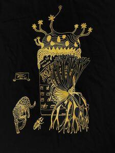 ミステリーカフェ Mサイズ 半袖Tシャツ ブラック aroundaglobe パキポディウム グラキリス ビカクシダ コウモリラン 植物 ヒョウ柄