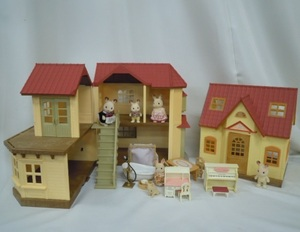 MG09ee) 色々なシルバニアファミリー あかりの灯る大きなお家 人形 家具他