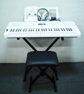 電子ピアノ キーボード ONETONE ワントーン OTK-61S 動作良好  61鍵盤  ホワイト 椅子・スタンド・ヘッドホンセット