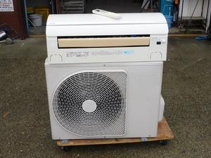 【おもに18畳/送料無料】東芝 ルームエアコン RAS-562JDR 200V 5.6KW R410 自動お掃除 選んで再熱除湿 人をサーチ 家庭用 中古