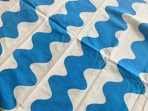 レア★marimekko はぎれ 生地 水色 30×72 pikku lokki ピックロッキ ブルー 布 なみなみ ボーダー