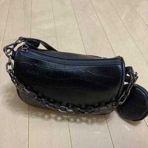 バッグ ショルダーバッグ ハンドバッグ シンプル 無地 ブラック ホワイト チェーンショルダーバッグ チェーンバッグ 黒
