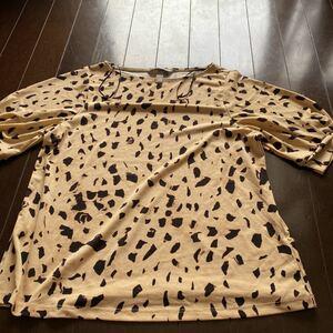 H&Mアニマル柄半袖カットソー サイズ S