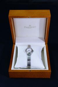I271 PEQUIGNET ペキニエ コマ1 デイト シルバーローマンベゼル 2針 白系文字盤 スイス製 QZ レディース腕時計