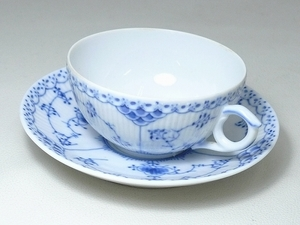 ▲60SK827▲RoyalCopenhagenロイヤルコペンハーゲン ブルーフルーテッド カップ&ソーサー 1/525 ティー コーヒー 洋食器