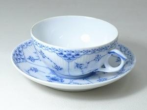 ▲60SK826▲RoyalCopenhagenロイヤルコペンハーゲン ブルーフルーテッド カップ&ソーサー 1/525 ティー コーヒー 洋食器