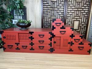 送料無料☆民芸家具、和引き戸付きタンス2点セット(テレビ台+階段箪笥)朱、飾り棚チェスト、収納、和家具、木製、和室和風、桐材無垢