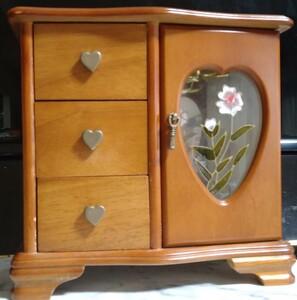 ◆ アクセサリーケースジュエリーボックス 卓上宝石箱 ◆ 木製高級感 ◆ ハート収納ケースインテリア小物入れコレクション 美品 ◆