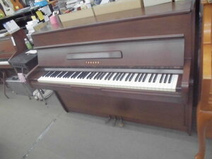 ヤマハ・ピアノM型 小型で場所を取らず、木目を生かした インテリァタイプ