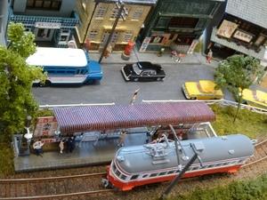 ◆即決◆Nゲージ◆レイアウト◆レール通電周回走行可能◆路面電車等小型車両用◆人形等大量30体自動車9台◆リアルな街並や水路◆ジオラマ◆