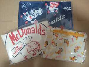 マクドナルド 50周年記念グッズより 『ビッグスマイルバッグ、ファスナー付ポーチ、ひんやりタオル』 (マック、マクド)