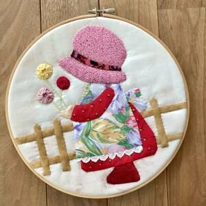 ハンドメイド キルトパッチワーク タペストリー 壁飾り 帽子の女の子 手作り手芸