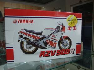 金属製 ヤマハ RZV500 置物 レッドバロン 粗品