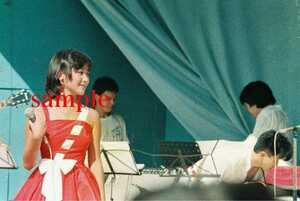岡田有希子写真 L版一枚 64