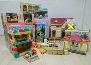 シルバニアファミリー 大量 おまとめ売り ぶどうの森のお家+テラスのすてきなお家+森のようちえん+すべり台+家具+小物+人形 シルバニア