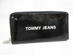 8908◆TOMMY JEANS トミージーンズ ラウンドファスナー長財布 黒×赤 Tommy Hilfigerトミー ヒルフィガー 中古USED