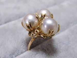 Pearl K18 ring 10