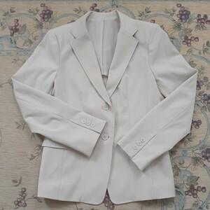 ユニクロ シンプルなジャケット