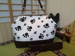 肉球 足跡 犬 猫 動物 ホワイト 白 アニマル がま口 3way ショルダー バッグ ハンドメイド 手提げ 斜めかけ 和装 着物 長財布 入ります
