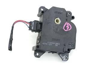 _b65824 ダイハツ タント カスタムRS CBA-L375S エアコンサーボ モーター (3) 113800-2830 L385S