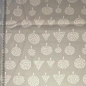 はぎれ ハギレ 布 生地 綿100 薄いグレー色 110×50cm 他色あります
