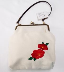帆布がま口椿刺繍入バッグ 白