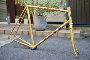 ゴールド 金色 KALAVINKA カラビンカ 迦陵頻伽 九十九サイクル 競輪フレーム NJS 570mm ピスト 3rensho nagasawa cherubim ケルビム