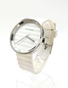 ISSEI MIYAKE 腕時計 クオーツ VJ20-0110 570063 イッセイミヤケ ホワイト