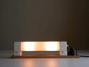 乳白ガラス ブラケット照明 (ベークライト スイッチ付き)/ ドイツ ビンテージ 店舗什器 サイン灯 卓上 工業系 ランプ