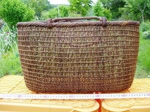 山葡萄籠 【アケビ蔓皮】 天然素材 大型バッグ インテリア (中古品:個性的なバッグ)