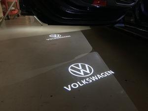 VW US純正 エンブレム&ロゴ LEDドアカーテシーランプ プロジェクター【GENUINE PARTS】新品/ドアエントランス・フットランプ/