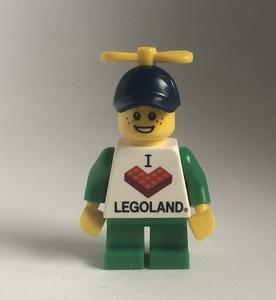 即決 新品 未使用 レゴ LEGO ミニフィグ レゴTシャツの男の子 プロペラ帽子 子ども ミニフィギュア  シティ